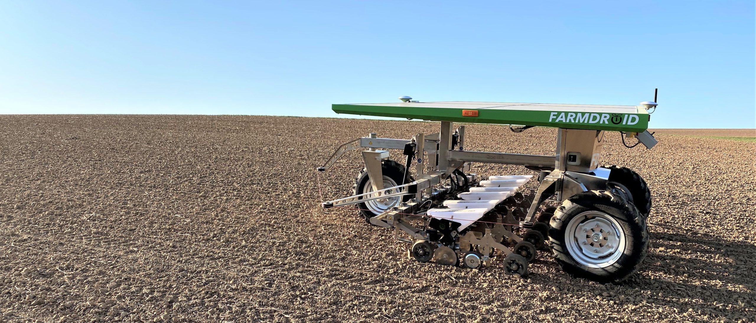 Startup dinamarquesa cria robô que semeia e capina 24 horas por dia