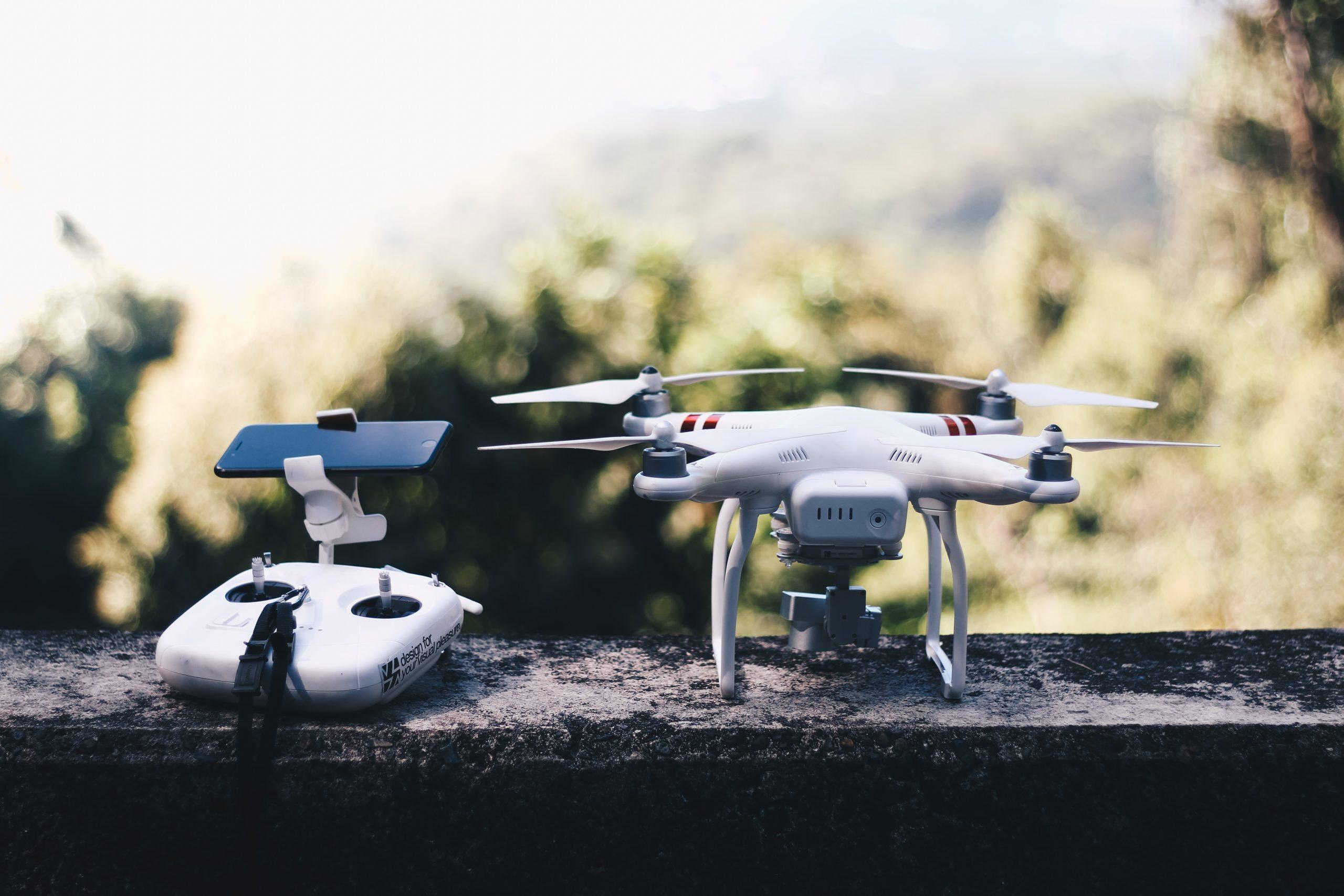 Projeto inovador dá vida a agricultores ciborgues e drones humanizados