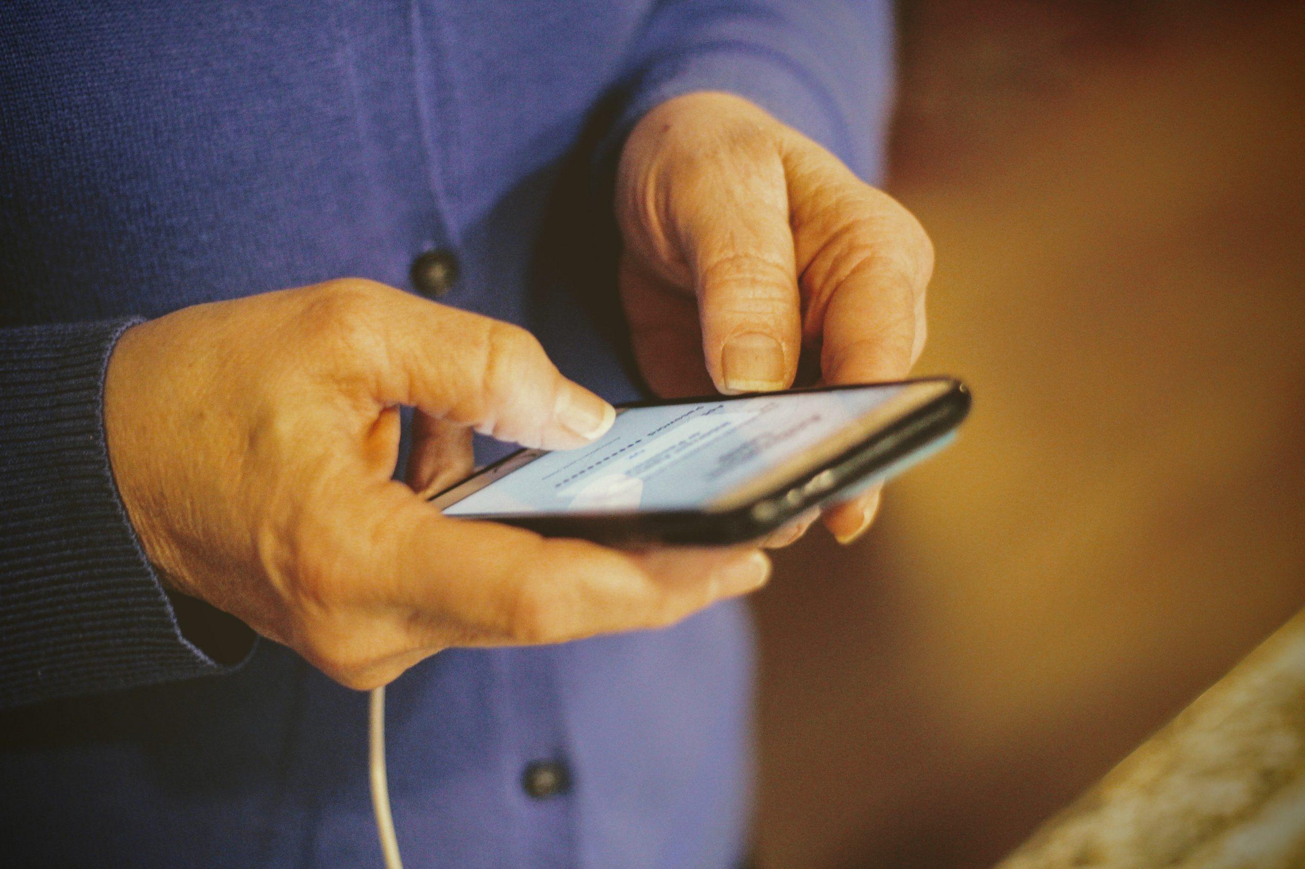 Produtores rurais poderão abrir conta em banco digital pelo WhatsApp